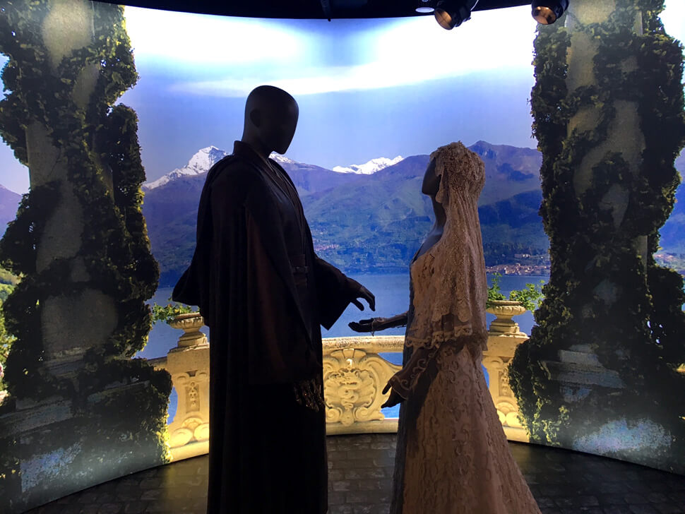Do you remember I posted the video of  Anakin's  and  Padme's  breathtaking wedding ceremony in the ' TOP 10 Film Weddings'  post? Seeing such beautiful intricate costumes from that gorgeous scene was amazing!