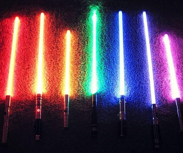 ultra-realistic-dueling-lightsabers-ultrasabers-640x533.jpg