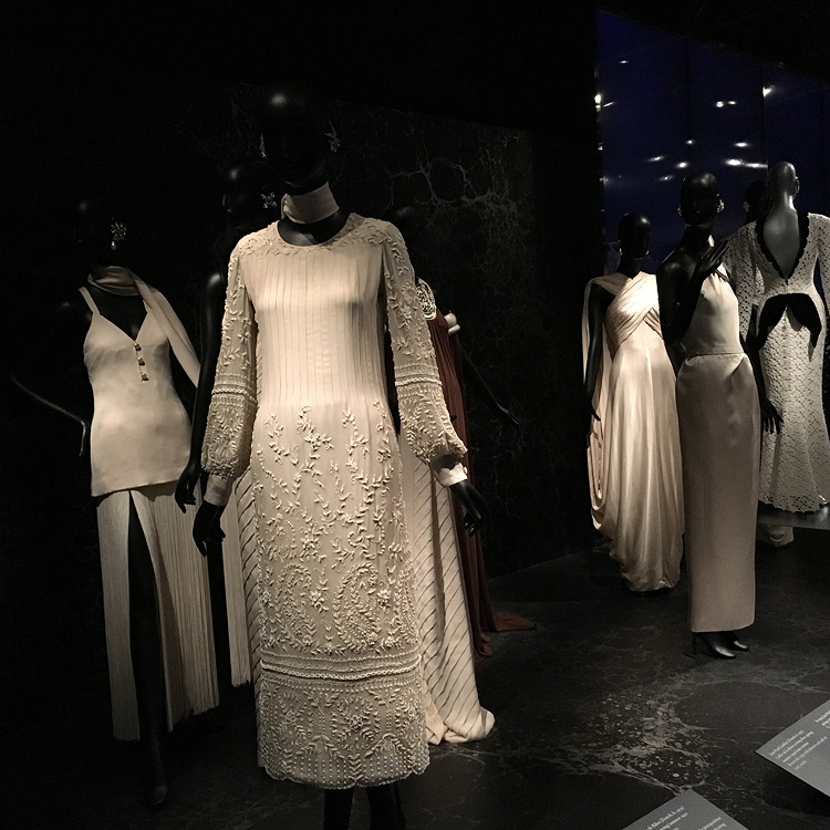 White dresses of the Countess de Ribes