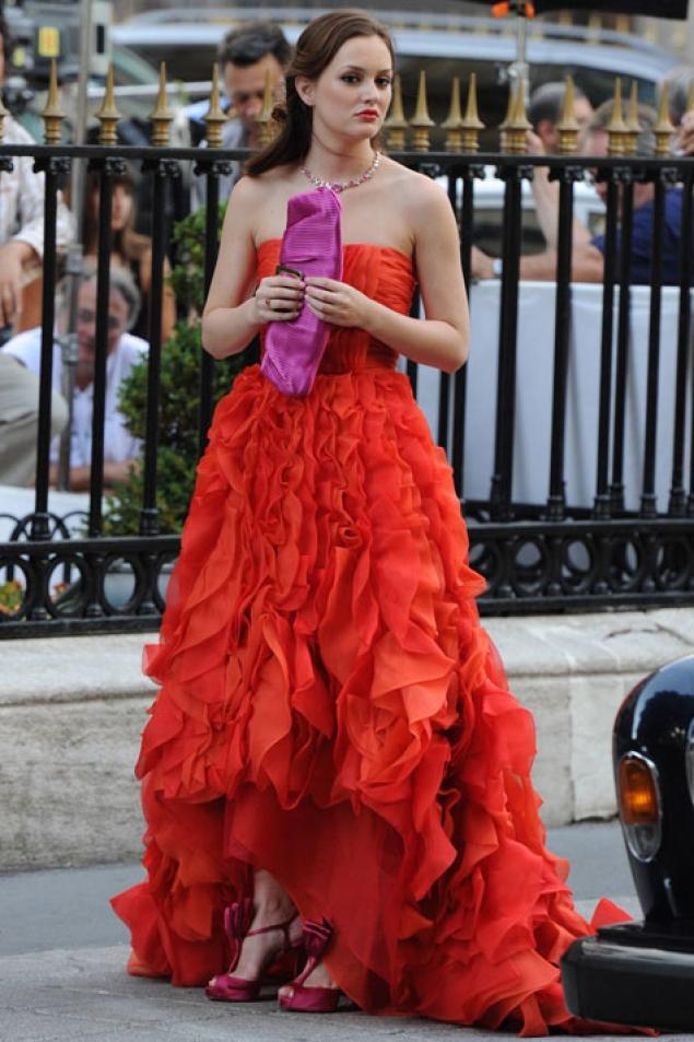 Blair Waldorf fashion. Buy similar red dress