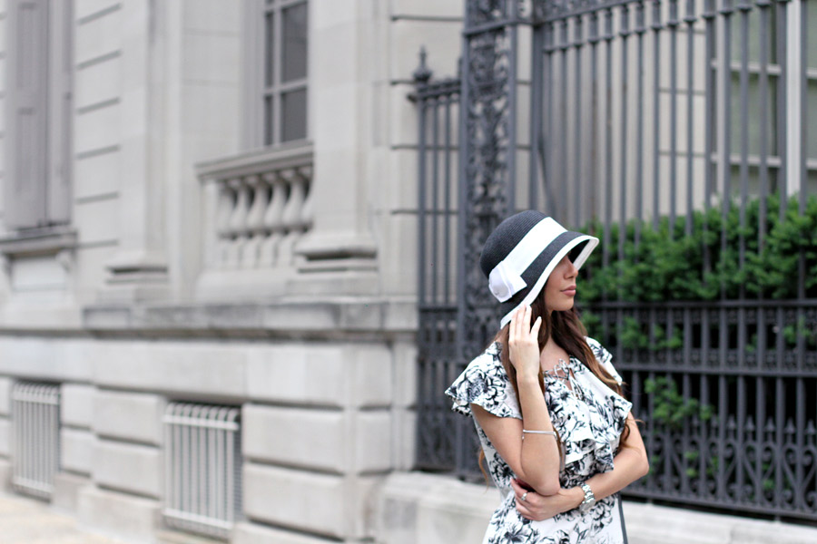 Cloche hat in NYC by blogger Ulia Ali. 2016