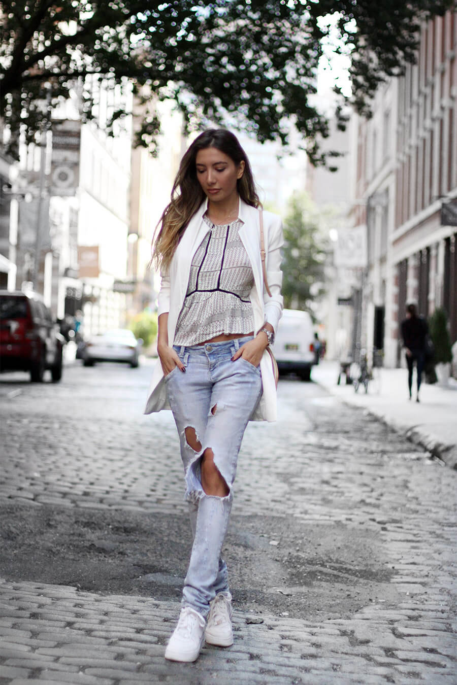 ripped-jeans-outfit-look-blogger-new-york