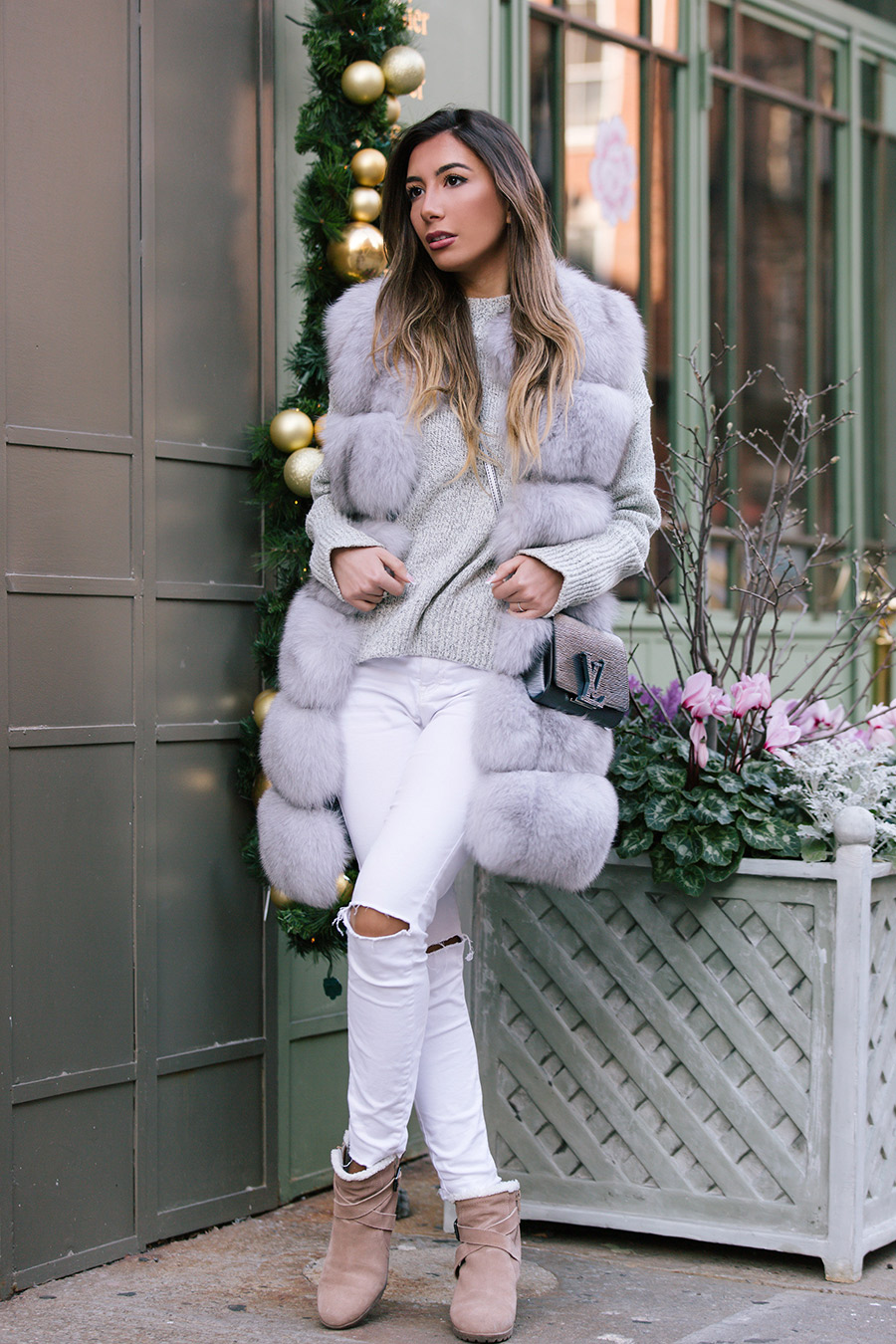 Blogger Ulia Ali from Azerbaijan wearing grey fur vest in Soho, NYC. Серая маховая жилетка Снежная Королева.