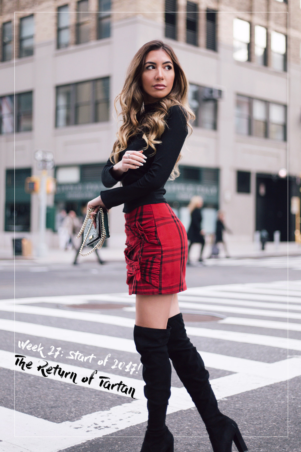 Blogger wearing tartan skirt with black boots. Winter style 2017.