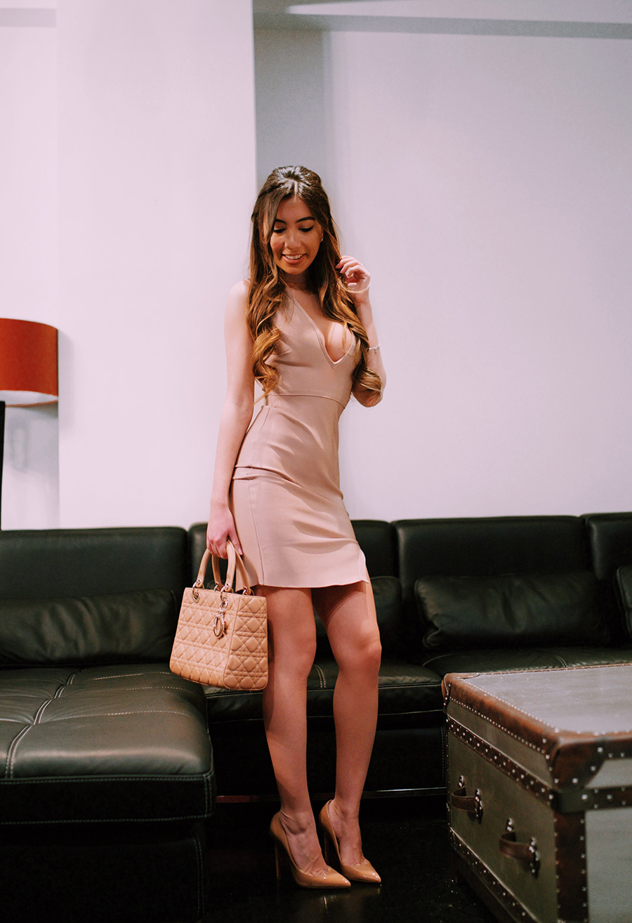 Make Me Chic blogger babe in pink.