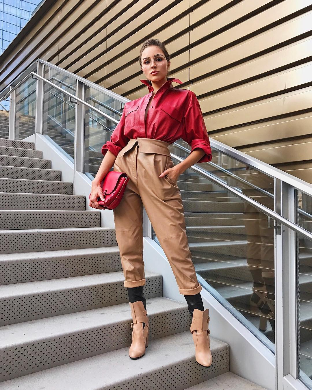 Olivia Culpo  is looking hot and stylish this Fashion Week!