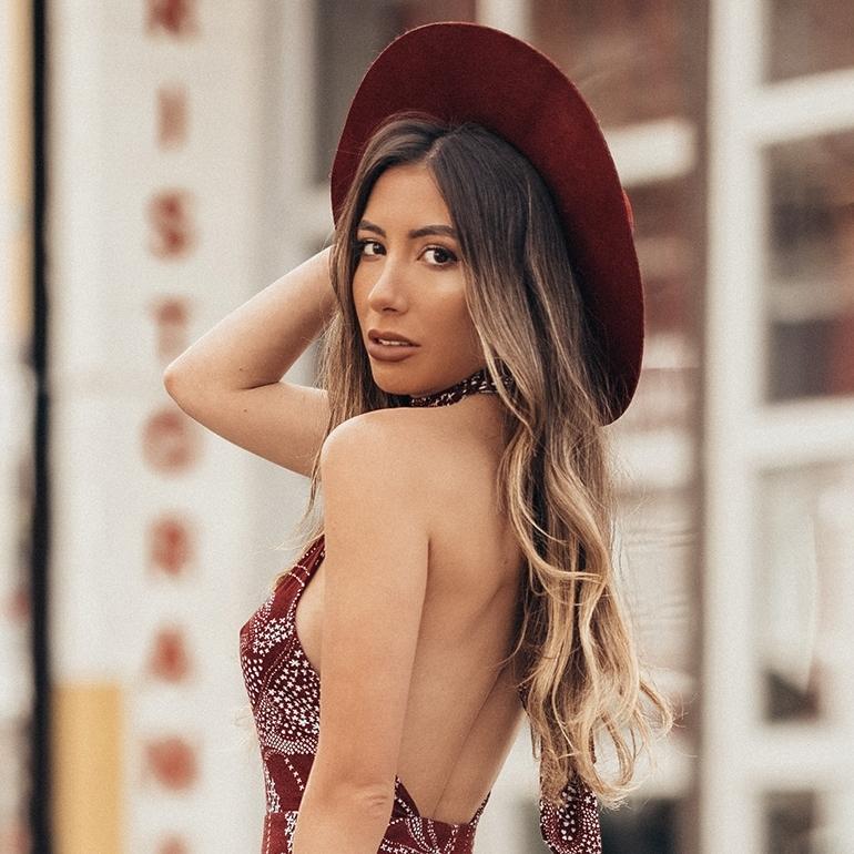 ulia-ali-blogger