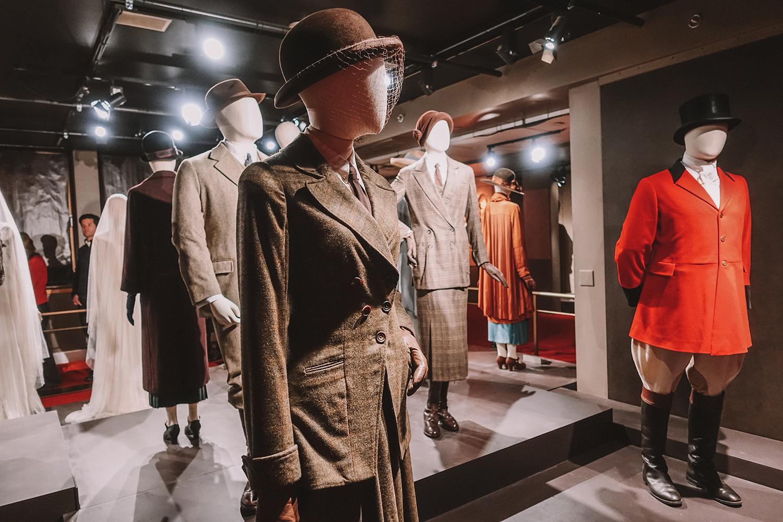 Downton Abbey fashion.