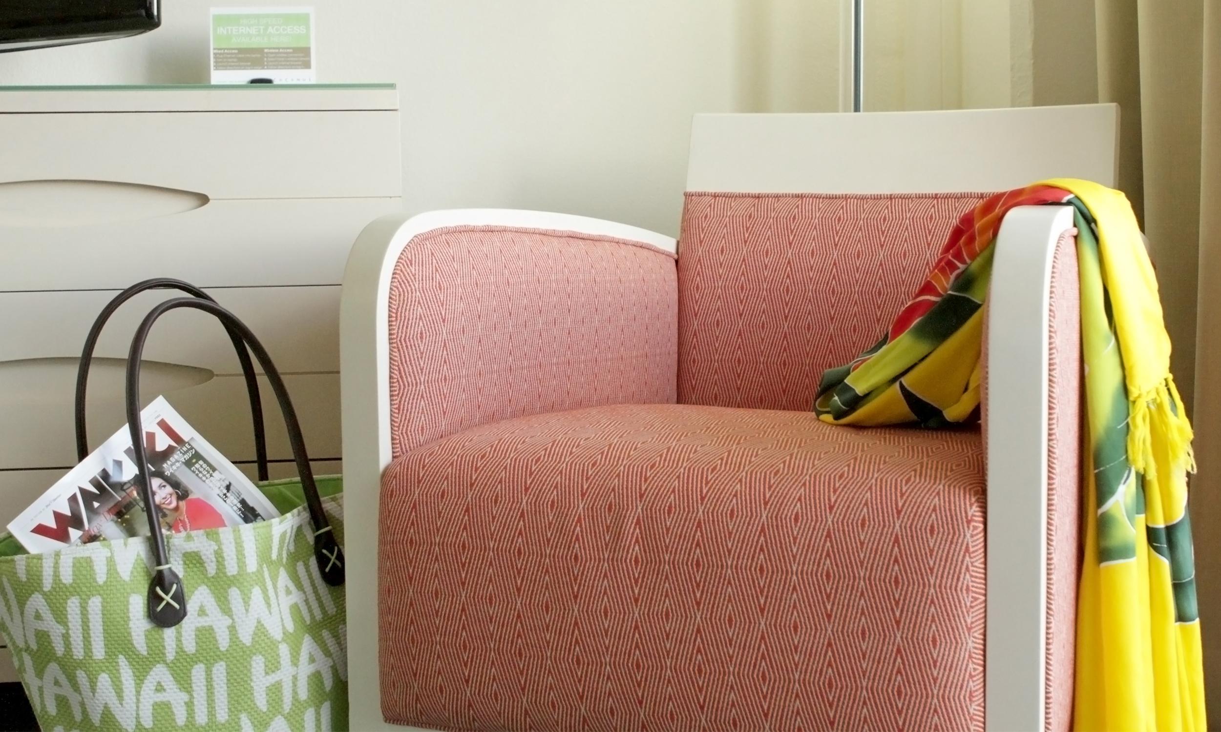 Modern hotel room in Waikiki, HI - Anthony Laurino Design