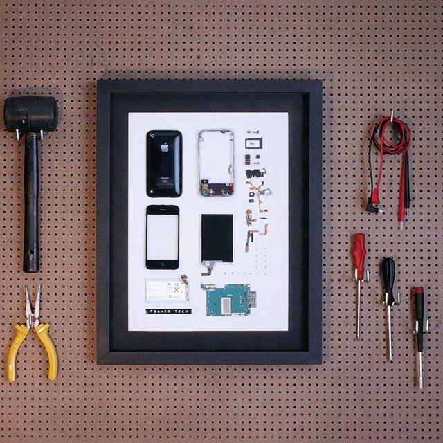 📱📱🍎 #framedtech #3gs #iphone #classic #frames #apple #art #technology #gadget Buy yours now www.framedtech.com