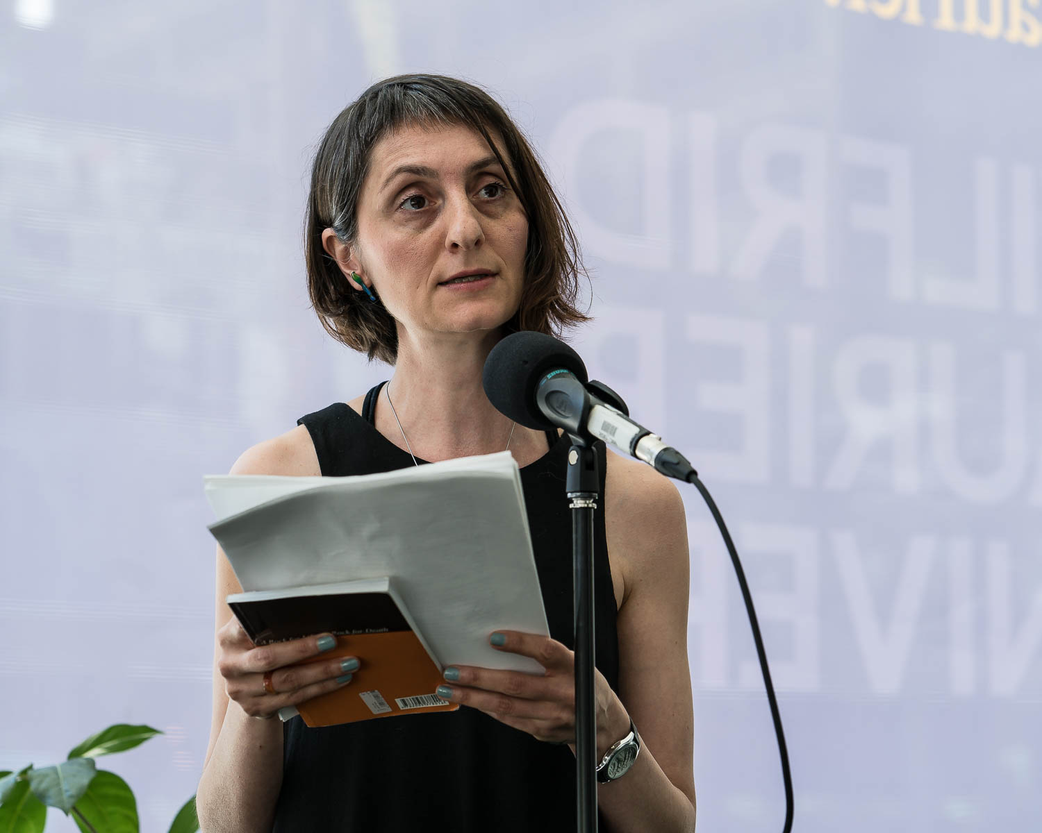 Lida Nosrati reading her translations from the Farsi