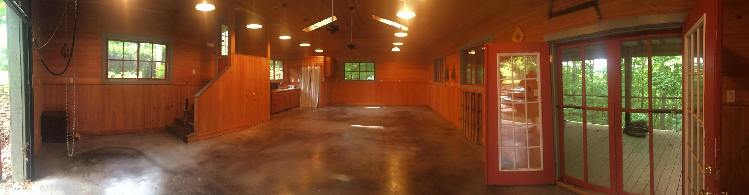 Panoramic view of the Lake Trail Studio