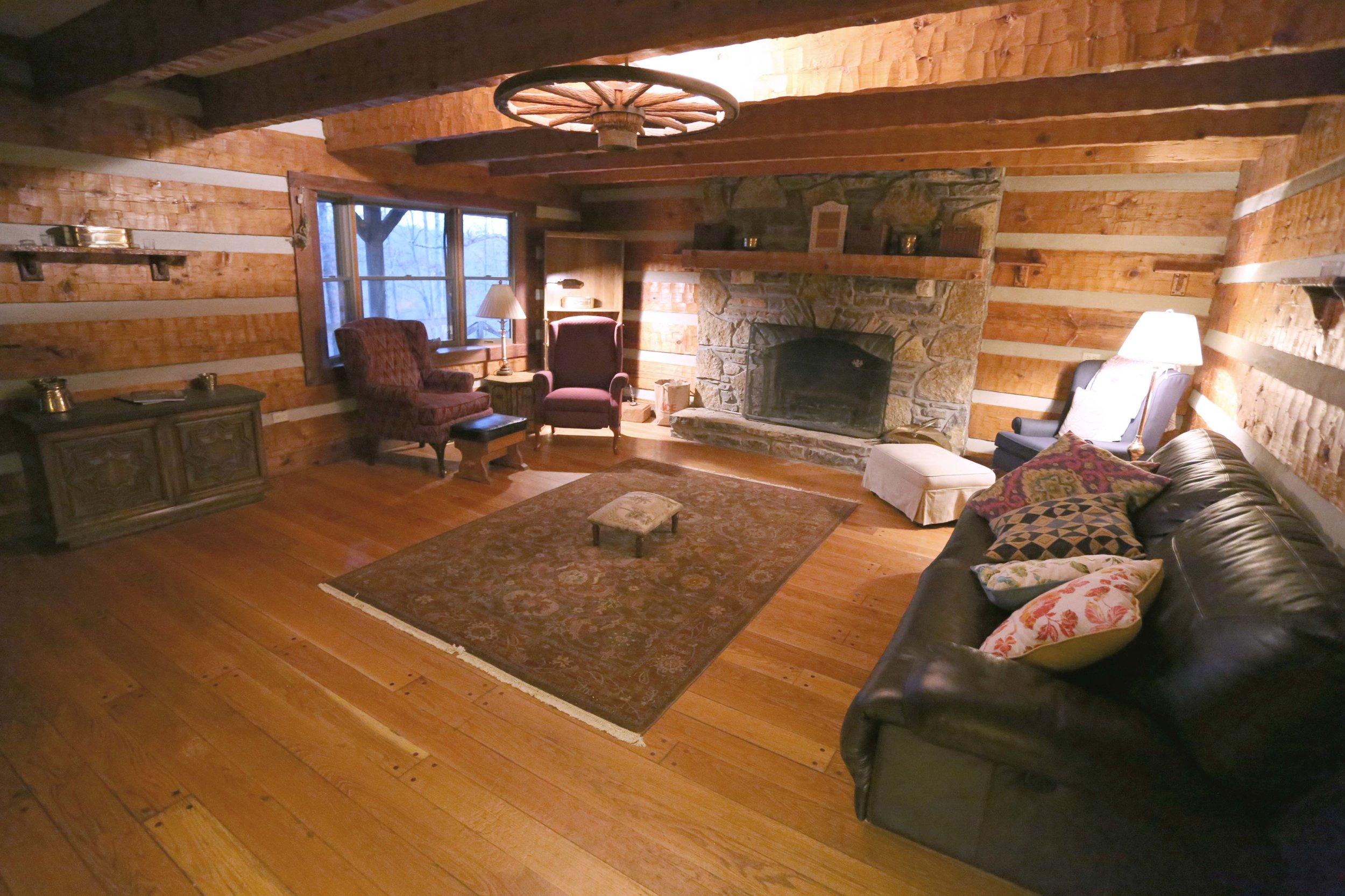 LH livingroom.jpg