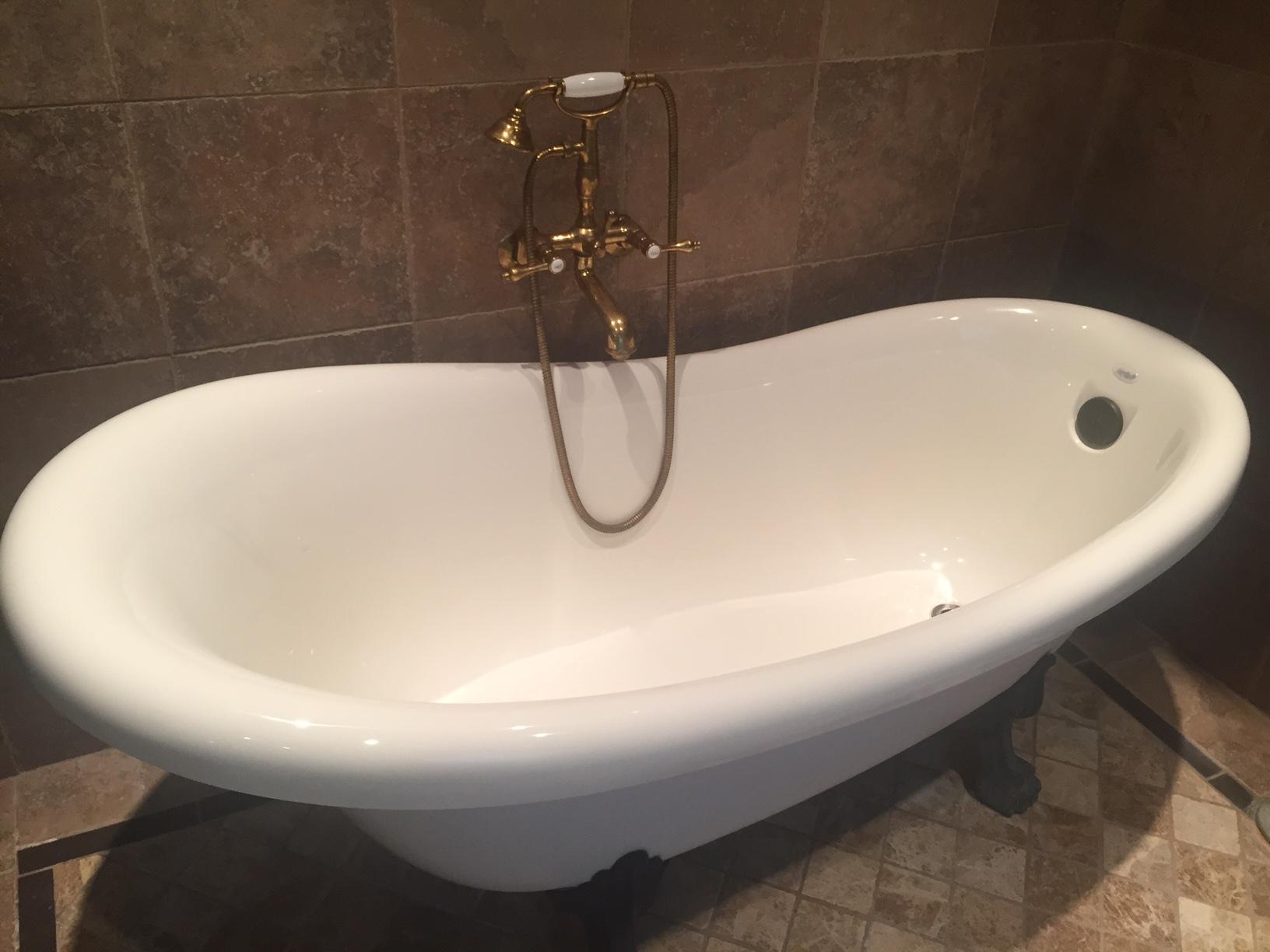 Buddha bathtub.JPG