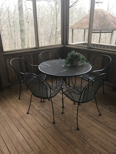 BH porch seats 5.JPG