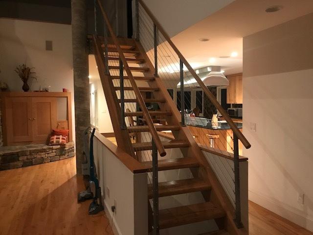 Par stairs to second floor.jpg
