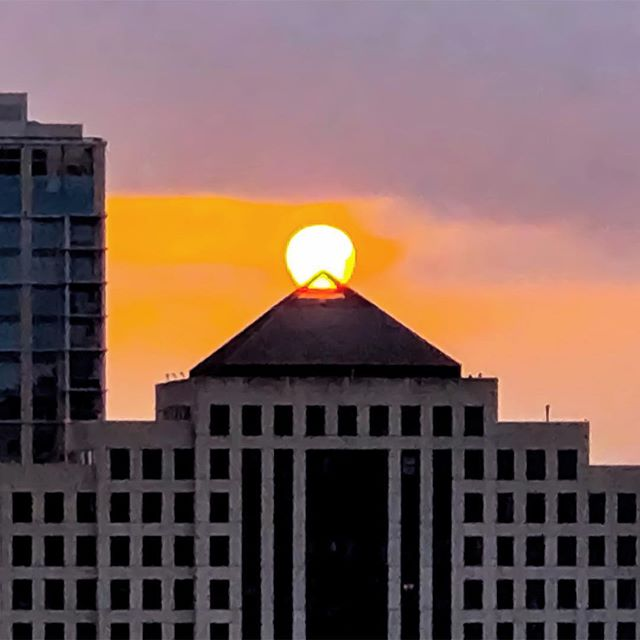 Rise and shine #Austin ☀️ . . . . . . . . . #downtownaustin #atx #austintexas #texascapital #austinarchitecture #austinrealestate #austinlife #igaustin #austindesign #austinrealtors #commercialrealestate #commercialbroker #commercialrealtor #commercialrealestate #realestatebroker #broker #realestatesales #realestate