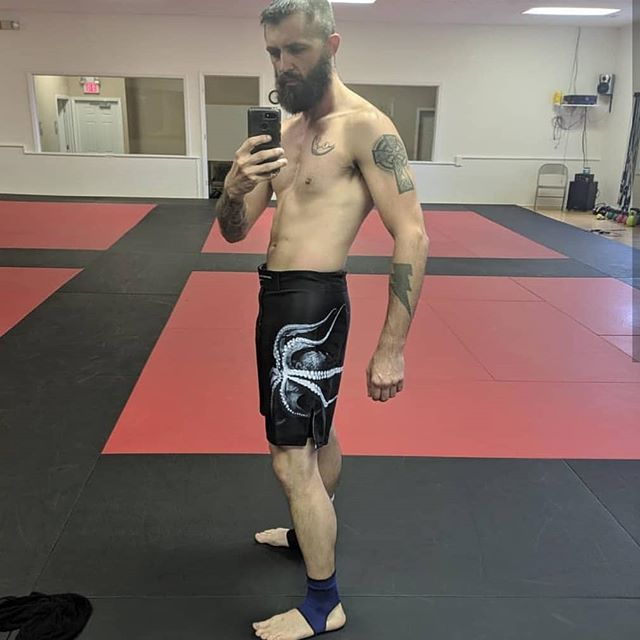 Big thank you to @dr.wheelkickmma  Show casing the 'Grappling Demons into Dark waters' ' Shorts with four with split box  Velcro and string enforcement  Available in any size dm to have your name or logo on the leg  #BJJ
