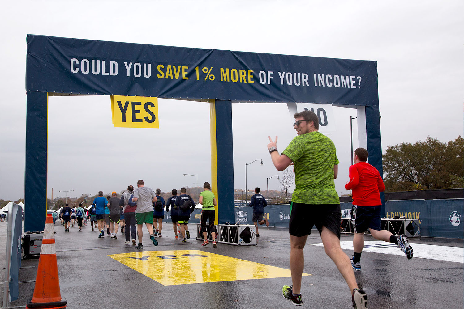 """The race was designed like a quiz, encouraging runners to """"vote"""" on their answer by running through different gates."""