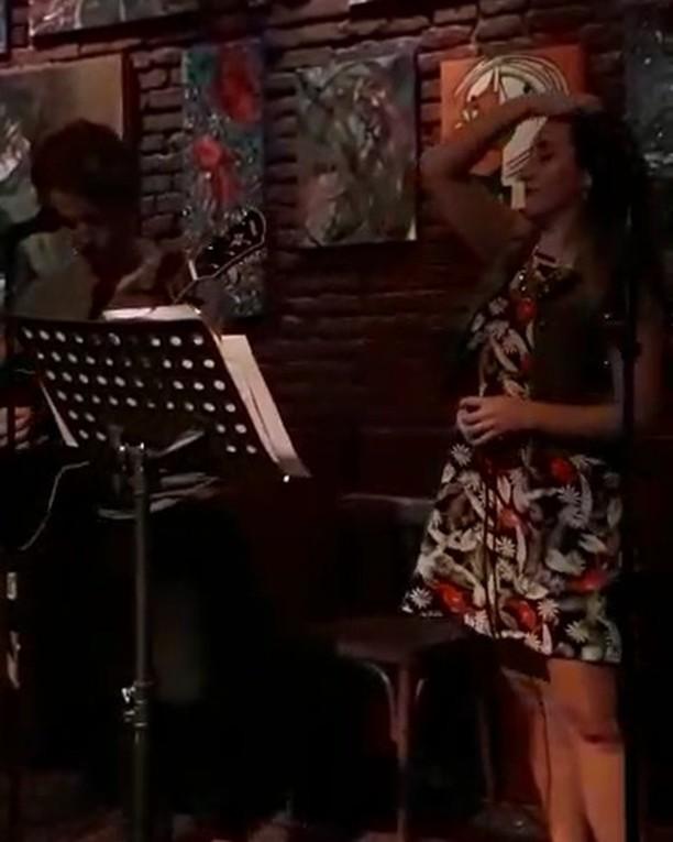 Un poco de lo que cantamos ayer con @vgiorello 💥 💥  #thegreatestshowman #rewritethestars #guitarcover #duet