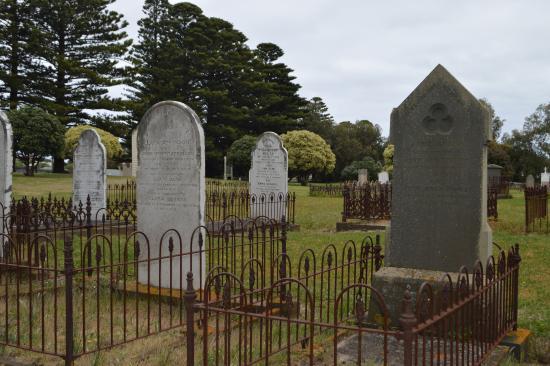 port-fairy-public-cemetery.jpg