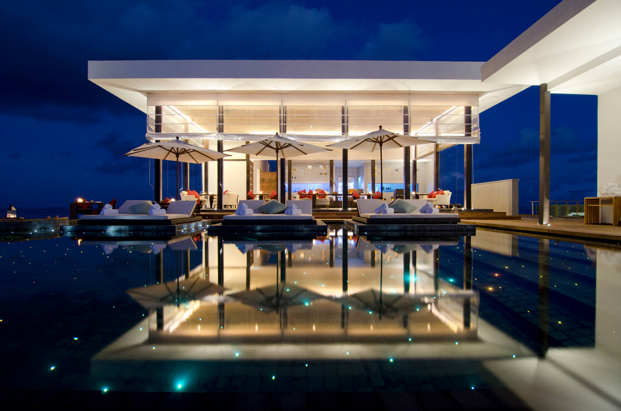 Jumeirah Dhevanafushi - Johara Pool.jpg