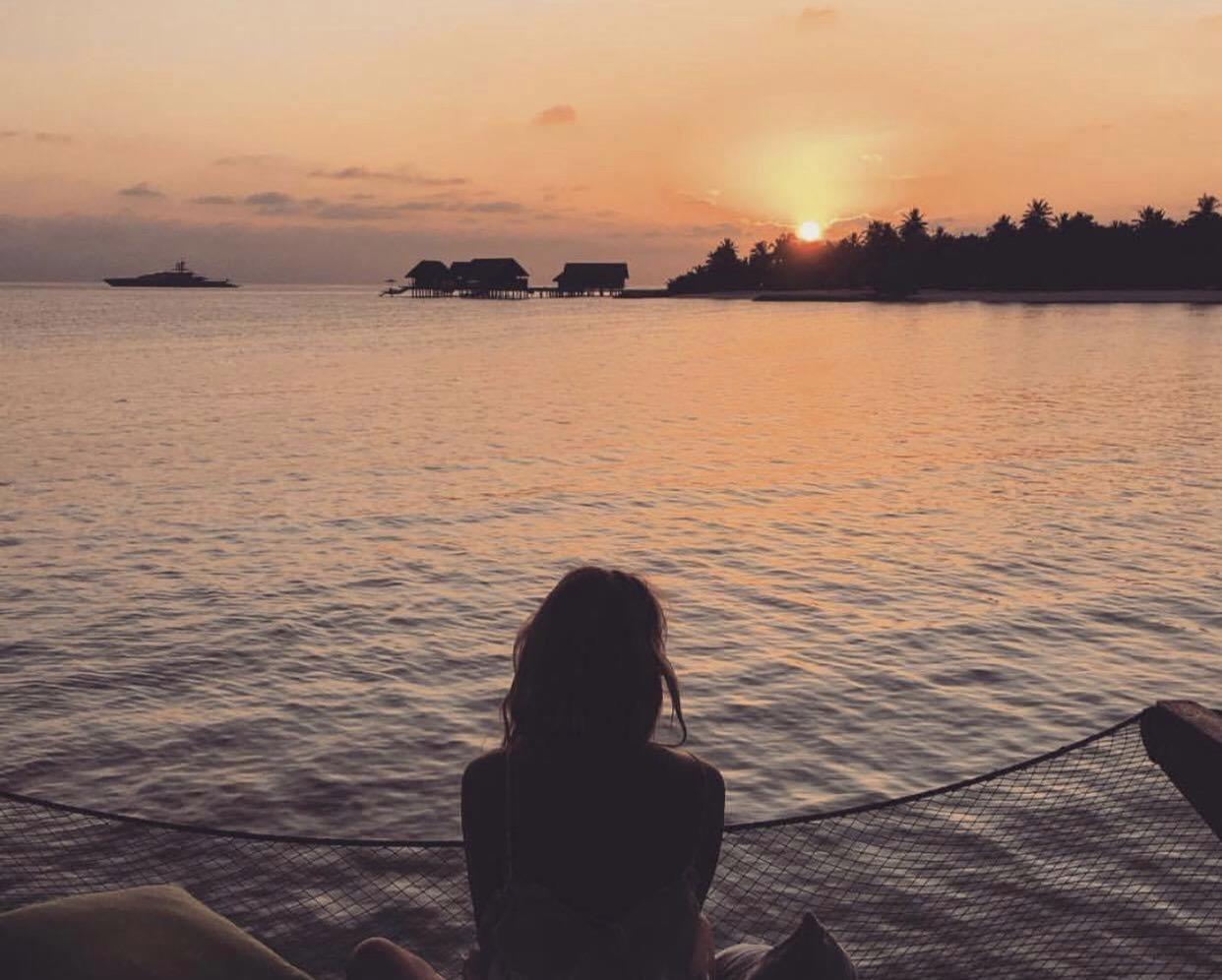 Jennifer enjoying a stunning One&Only Reethi Rah sunset !!
