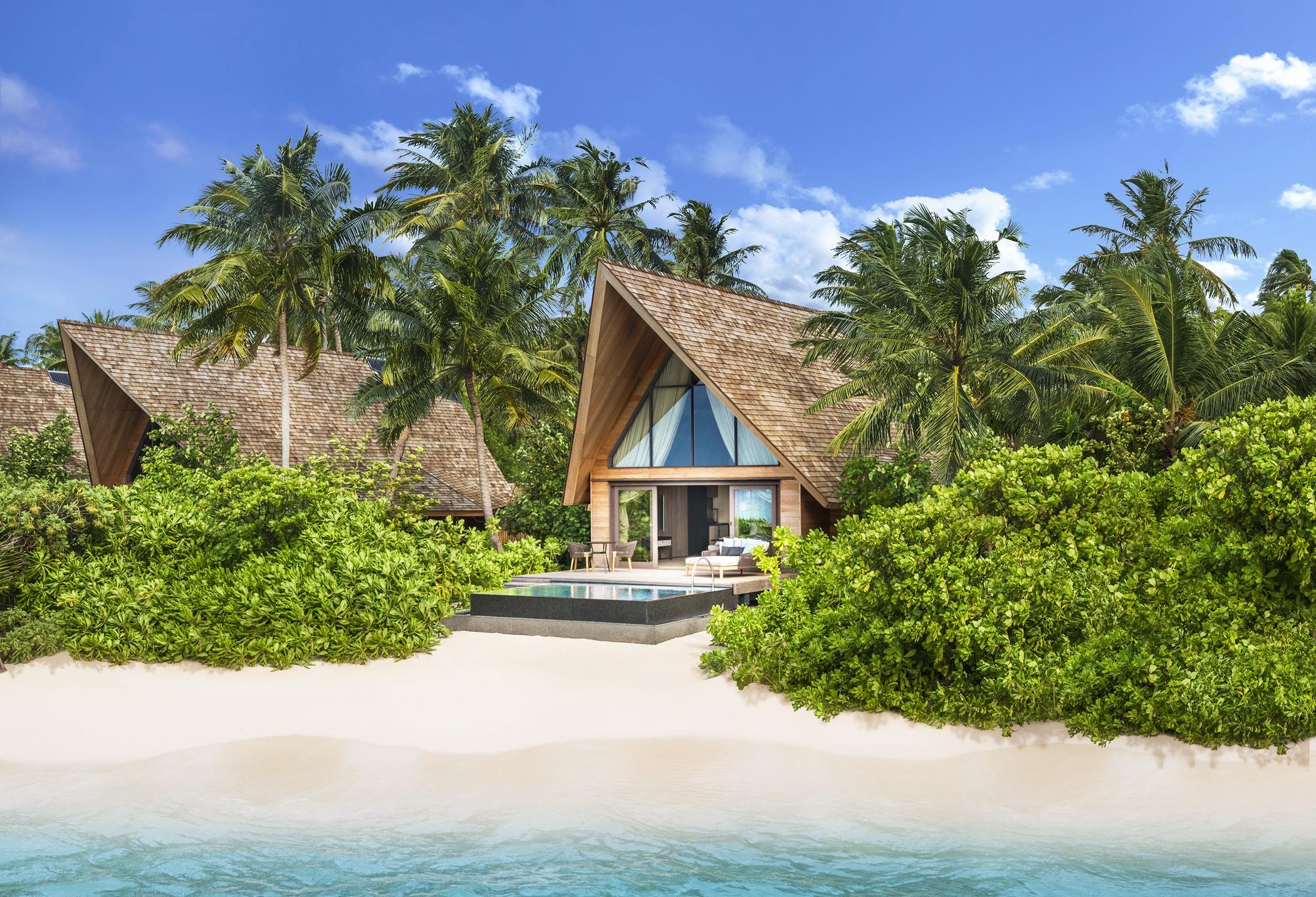 str4315ex-195091-Beach Villa with Pool - Exterior-Med.jpg