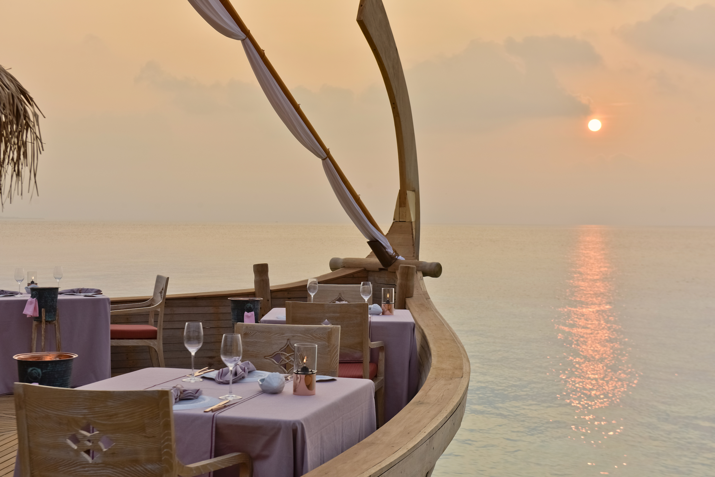 Milaidhoo Maldives dining Batheli restaurant (3).jpg