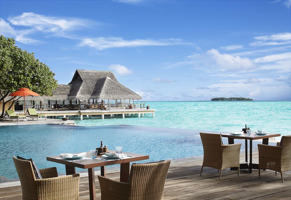 54620150-H1-Pool___Poolside_Restaurant.jpg