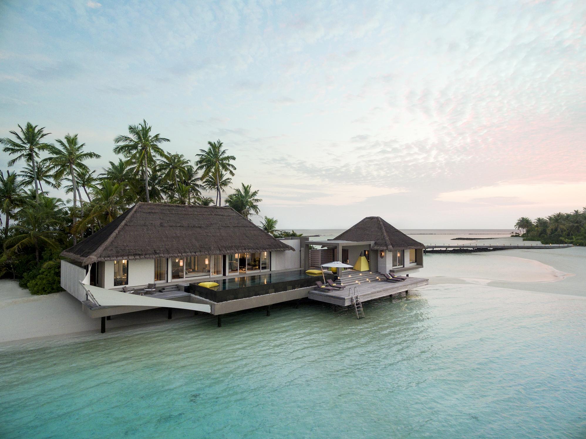 20171205052714_2-3-lagoon-garden-villas-cheval-blanc-randheli-dji-0042-f-nannini.jpg