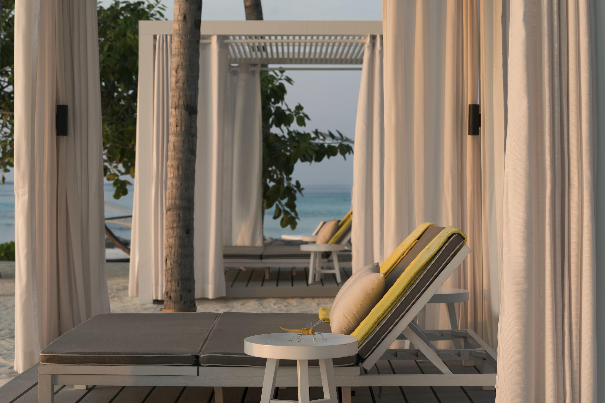 20180516045422_3-2-the-white-bar-beach-club-f-nannini-cba6900.jpg