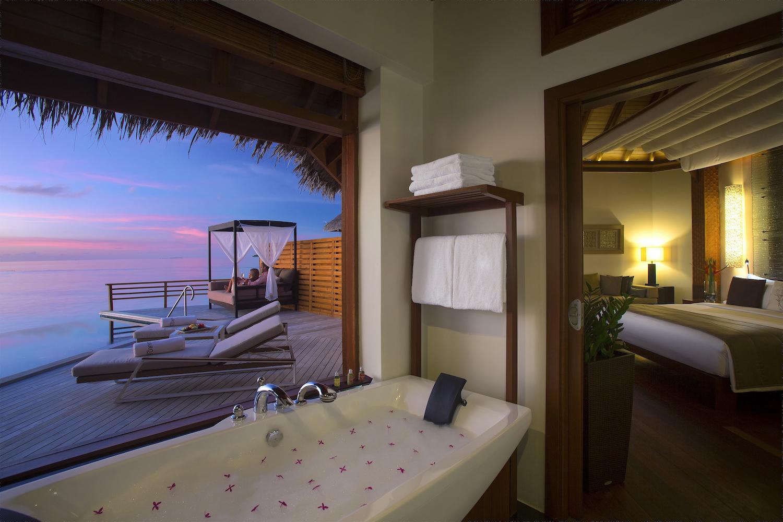 ©Baros Maldives_WPV Sunset_HR (1) copy.jpg