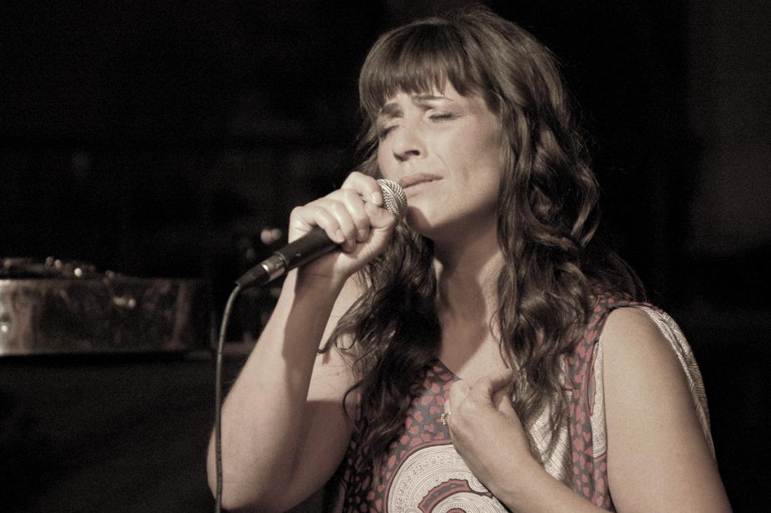 Sara Marreiros, Vocals -