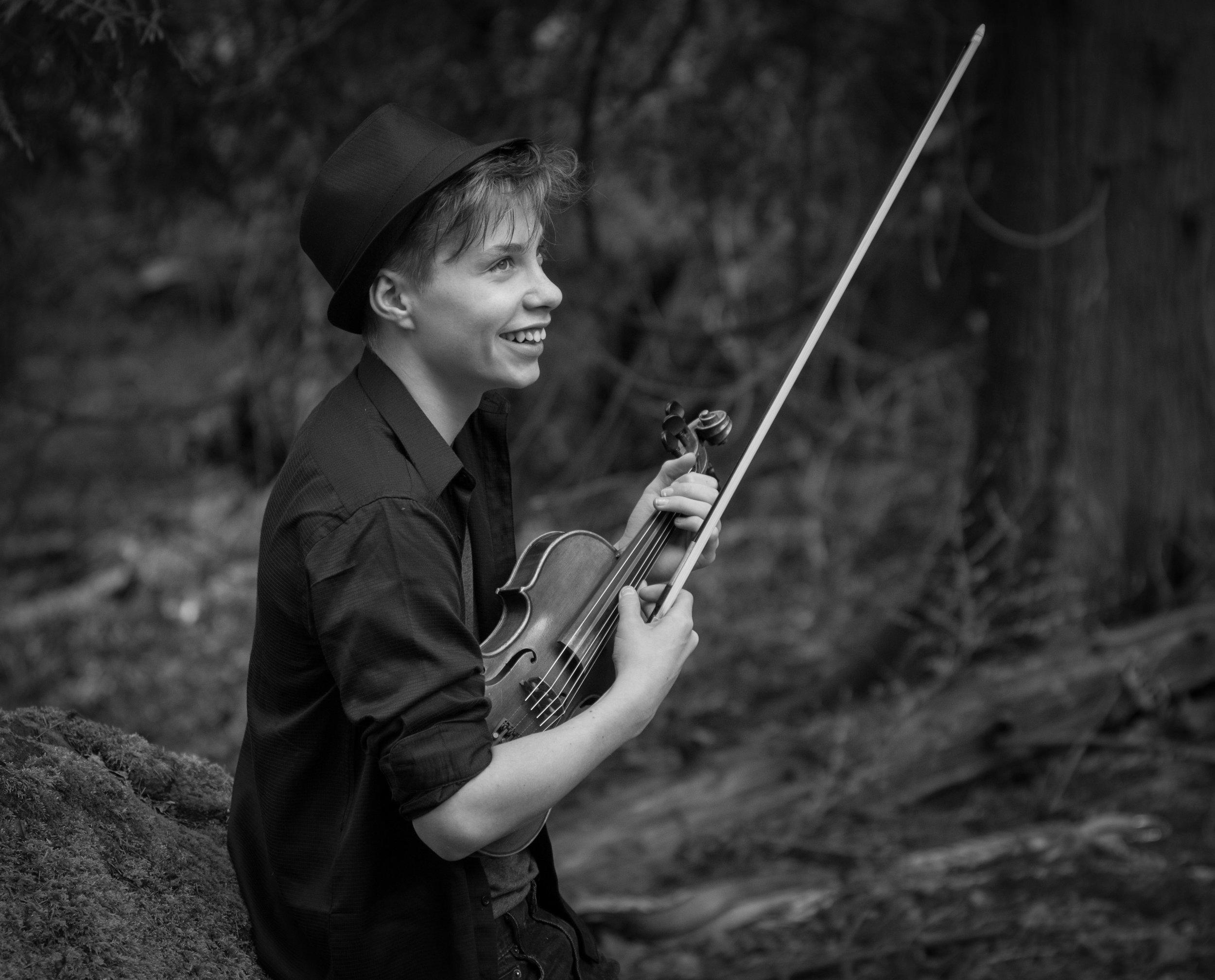 QuiN Etheridge, Violin -