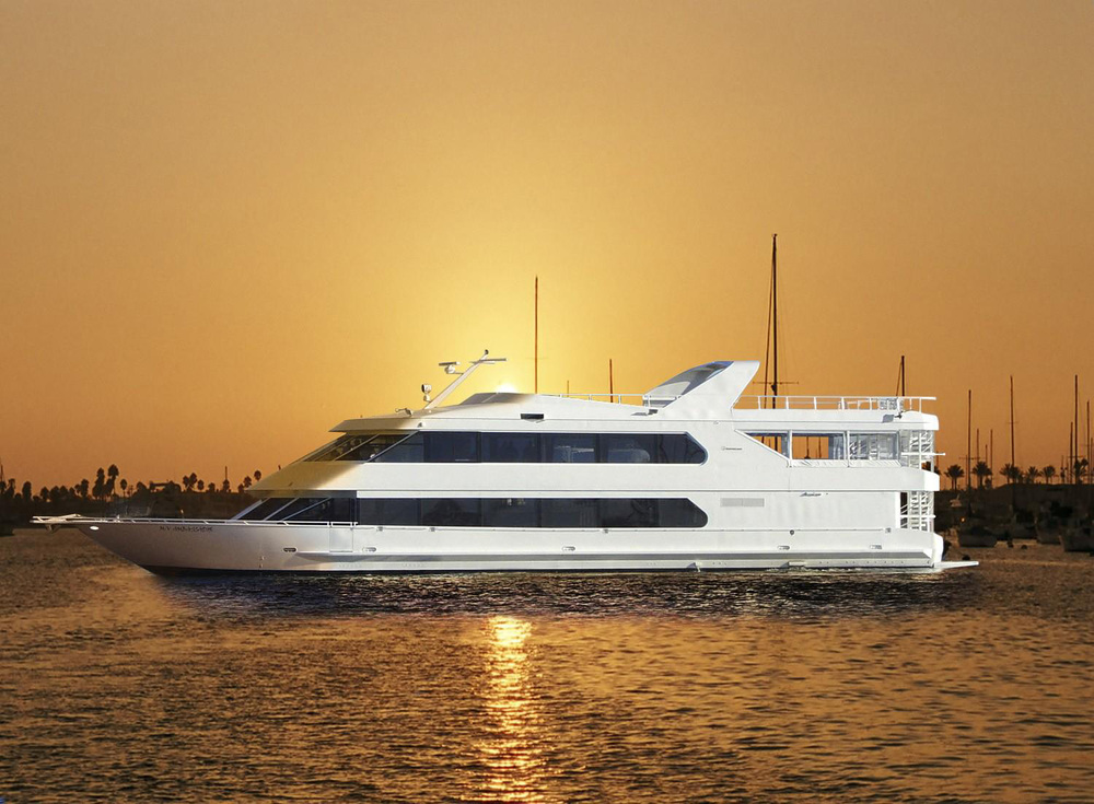 pacific-avalon-dream-cruises-yacht-at-sea.jpg