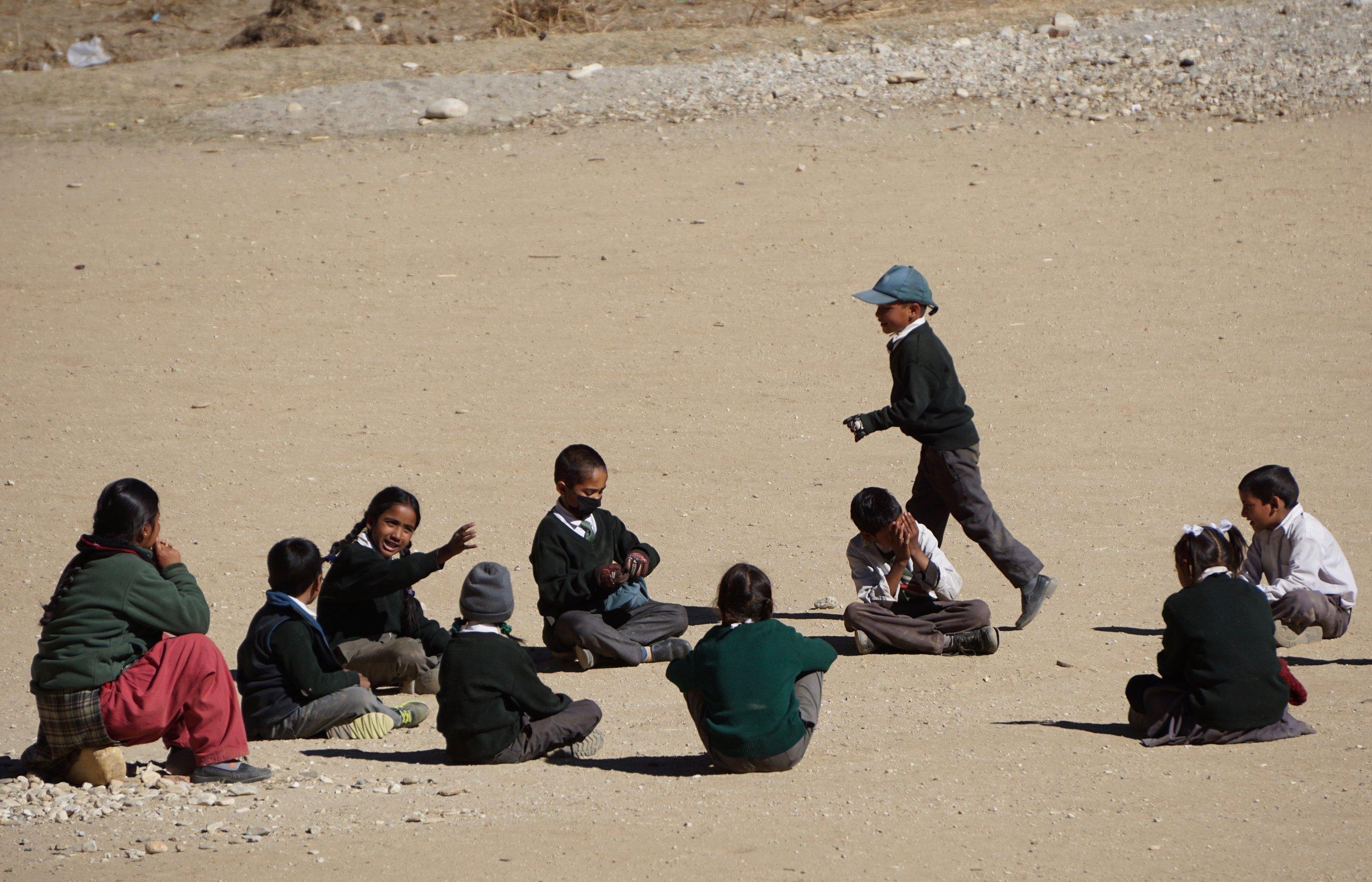 Kinder spielen Jumla.jpg