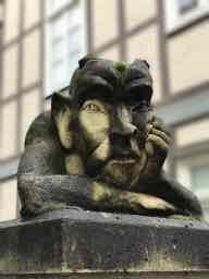 Defusion mal philosophisch - Interessanter Podcast im Deutschlandfunk Kultur über Empathie und ihren Nutzen. Defusion wird im Nebensatz erläuterthttps://www.deutschlandfunkkultur.de/philosoph-david-lauer-empathie-eine-ueberschaetzte.2162.de.html?dram:article_id=442493Dank an Ursula für den Hinweis!