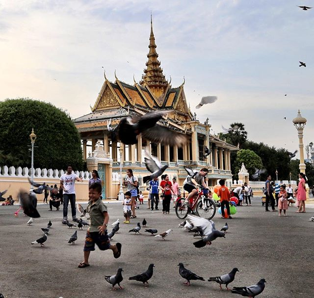 This day only comes around every 4 years. I hope you make the most of it! #phnompenh #cambodia #royalpalace