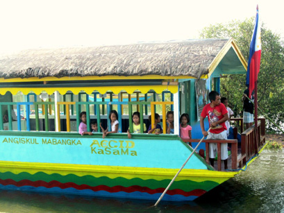 AmB floating classroom in use