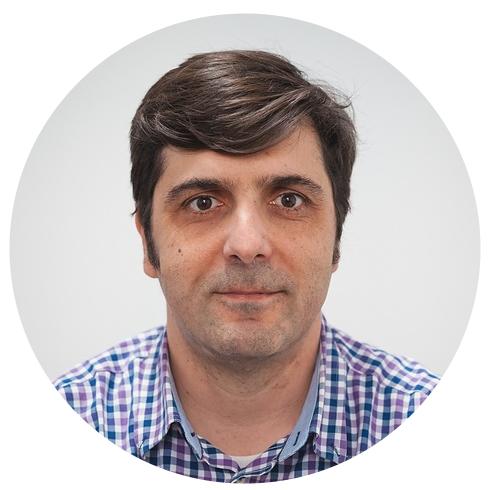 BRAULIO DÍEZ  Technical Lead  Desarrollador JavaScript / Typescript (viejo marinero que viene del mundo .net), me gusta desarrollar Open Source. Con más de 20 años de experiencia en proyectos internacionales   t   l   e