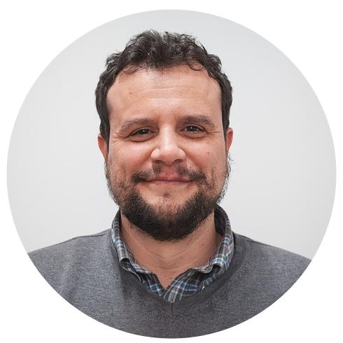 JAIME SALAS  Senior Developer  Ingeniero Técnico en Telecomunicaciones, Máster en Ingeniería Web (RIAtec) por la Universidad de Málaga, Front-End (React y AngularJS), y Back-End developer (Web API y Entity Framework), y especialista en stack XAML.   t   l   e