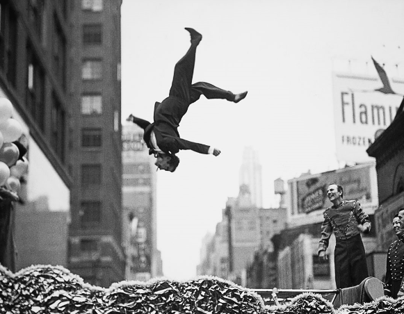 Garry Winogrand.png