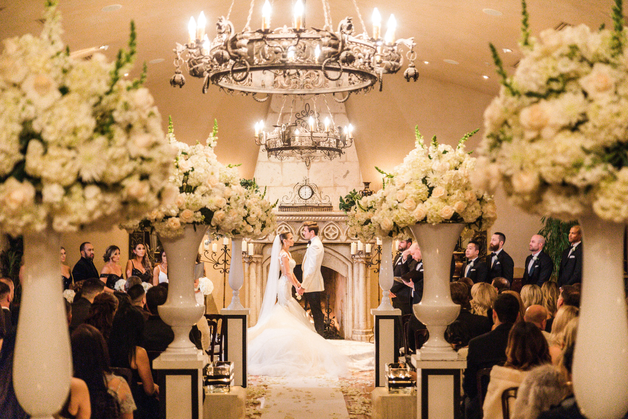 villa siena wedding ceremony modern bride classic wedding