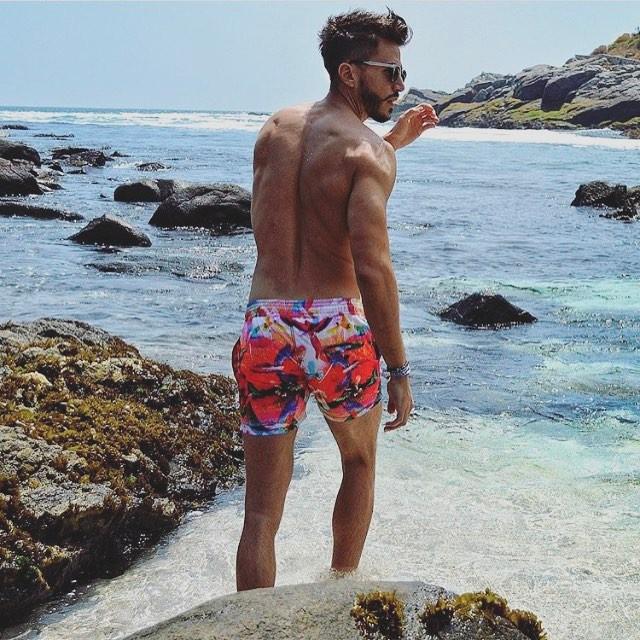 @marcoferri5 showing us how our week should look like! #beachlife #menswimwear #menstyle #papuaswimwear #summer2017 #lifestyle #thosesummerdays