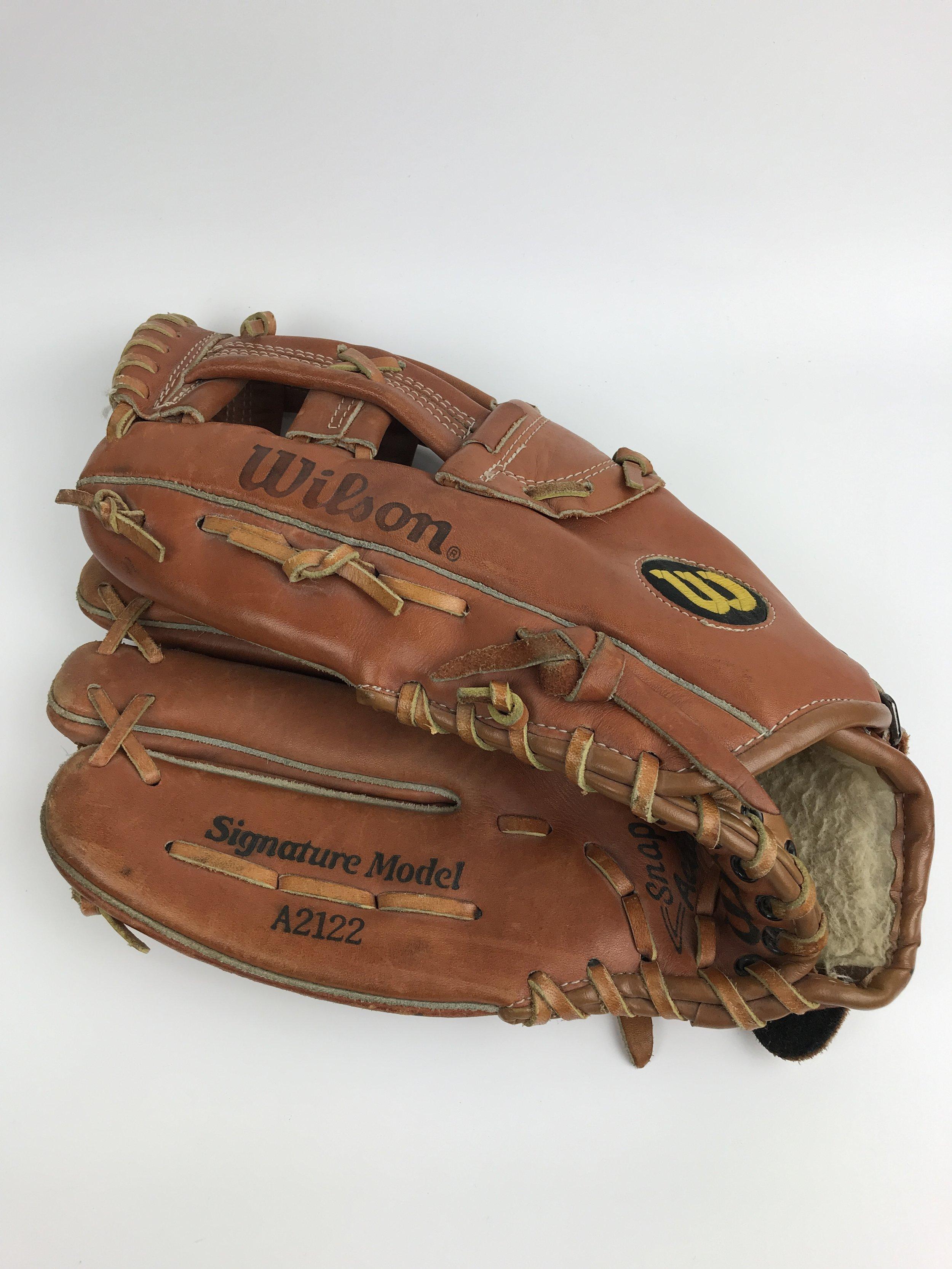 Wilson lefty glove