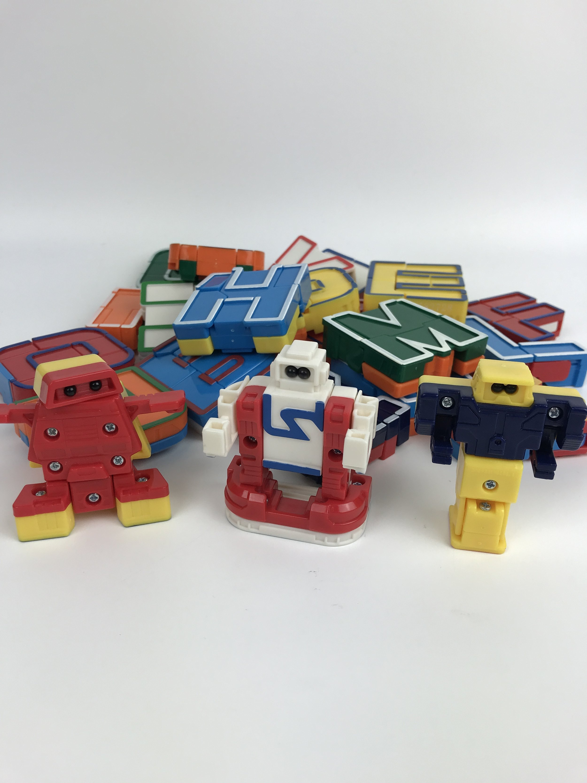 Alphabots (24 of 26)