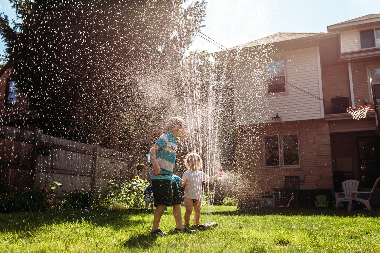 sprinkler-fun-backyard-milwaukee-home.jpg