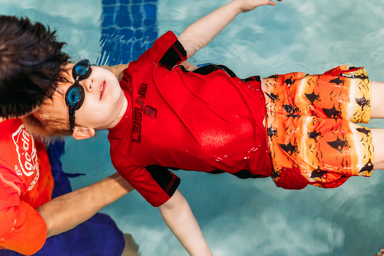 BlimieT-GoldfishSwimSchool-brookfield-milwaukee-underwater-swimming-4279.jpg