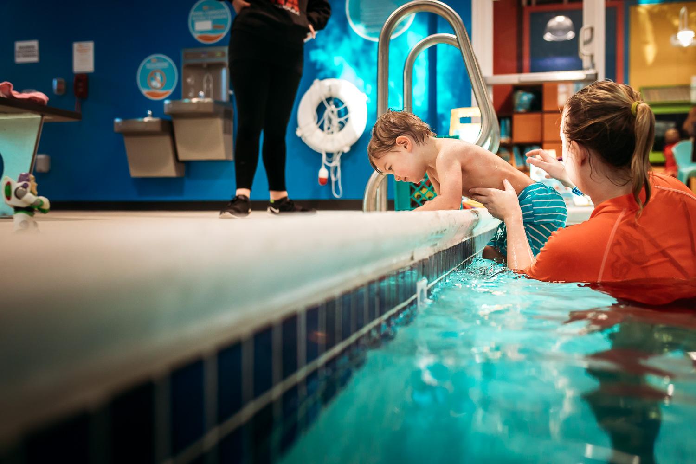 BlimieT-GoldfishSwimSchool-brookfield-milwaukee-underwater-swimming-6623.jpg